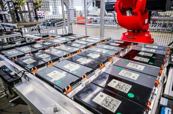 """被新能源车""""榨干""""的20万吨电池 如何处置?"""
